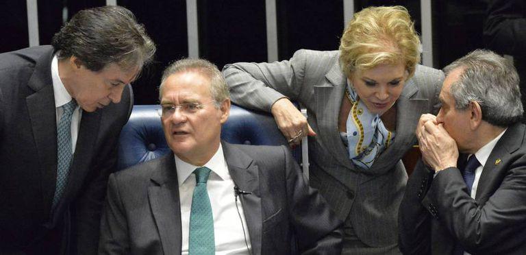 Os senadores Eunicio Oliveira, Renan Calheiros, Marta suplicy e Raimundo Lira na sessão que afastou Dilma Roussef.