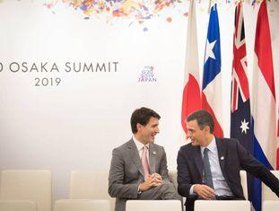 O primeiro-ministro do Canadá, Justin Trudeau, e o espanhol, Pedro Sánchez, em Osaka.