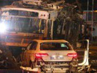 Detonação no centro de Ancara, provavelmente de um carro-bomba, ocorreu perto de um posto de polícia