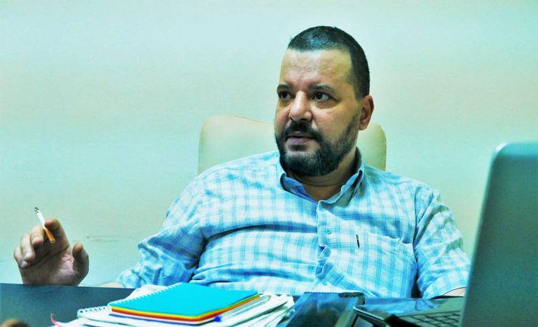 Munir Batur em seu escritório.