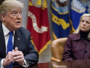 Trump e a responsável pela Segurança Interna, Kirstjen Nielsen, na quinta-feira