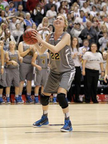 Lauren Hill durante um jogo de basquete.