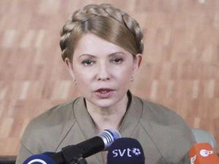 Yulia Timoshenko em uma coletiva de imprensa em Donetsk.