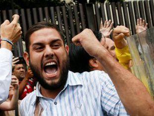 Governo Maduro mantém silêncio sobre a sentença do Tribunal Supremo que anula os poderes do Parlamento da Venezuela