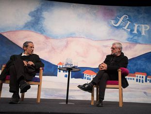 Armando Freitas Filho e Walter Carvalho na abertura da Flip.