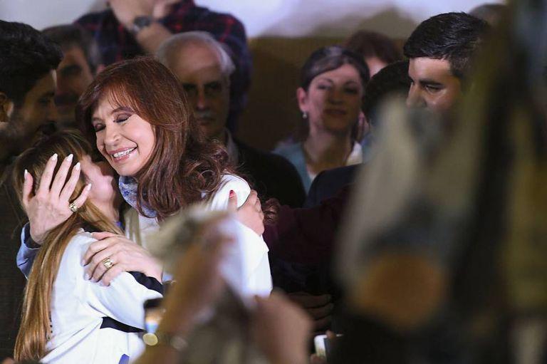 Cristina Kirchner conclui a campanha para as eleições primárias de 13 de agosto em La Matanza.