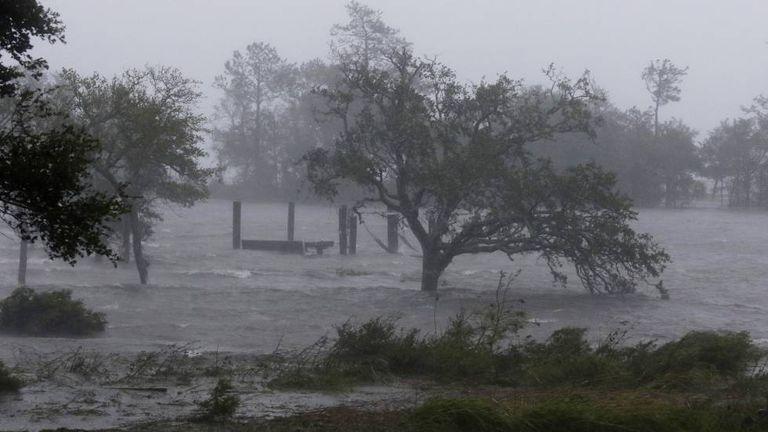 Ventos fortes atingem Swansboro N.C, nesta sexta-feira