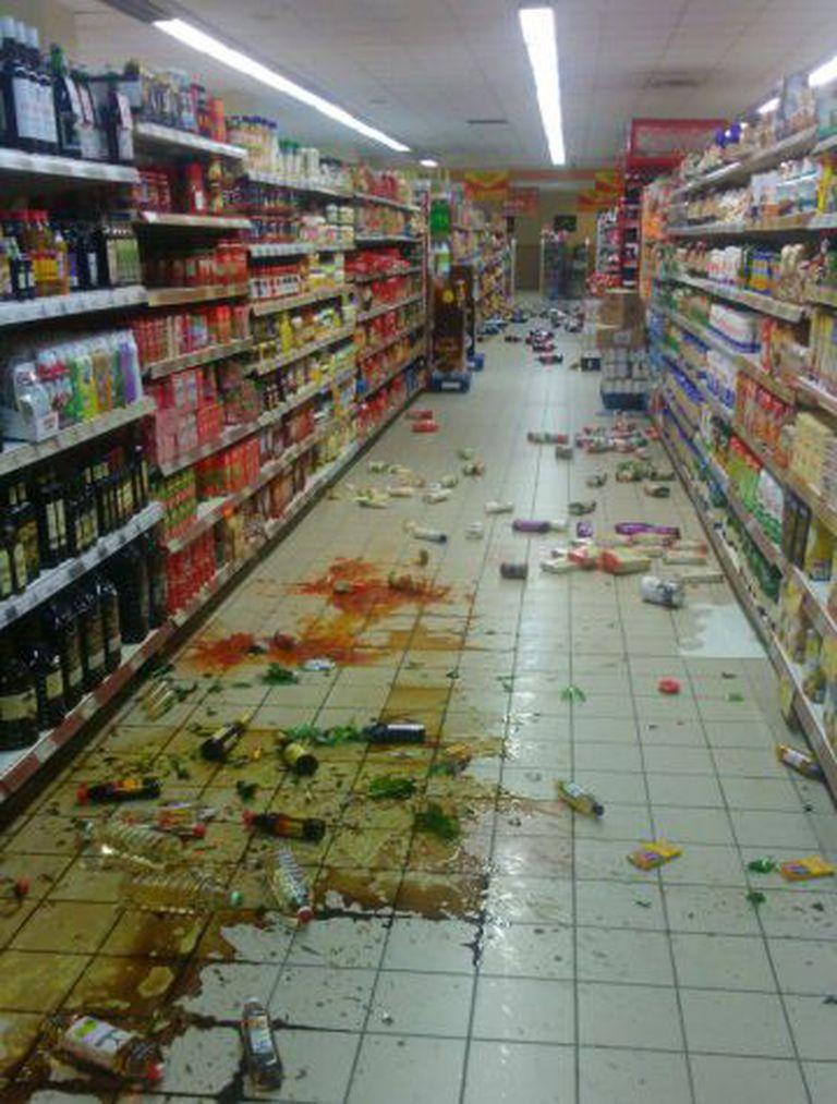 Um supermercado em Melilla depois do terremoto.