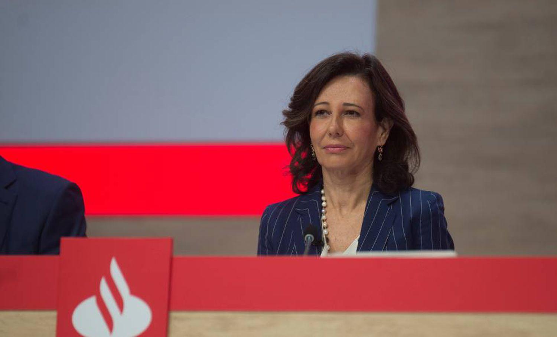 Ana Botín, presidenta do banco Santander, durante uma reunião de acionistas.