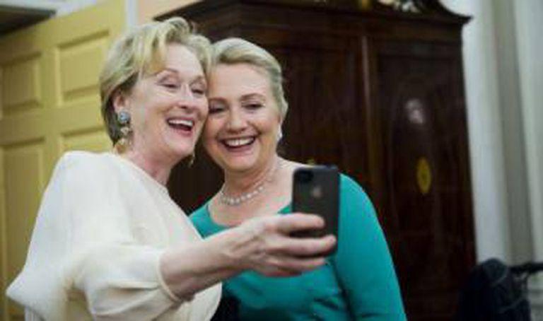 Meryl Streep e Hillary Clinton, em dezembro de 2012.