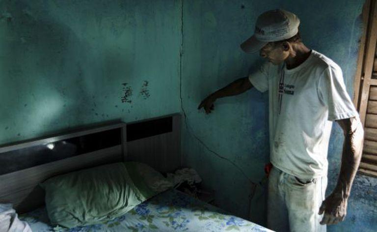 Dalci mostra rachaduras nas paredes no bairro Amoreiras