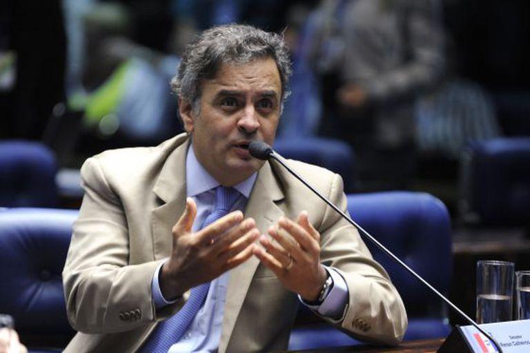 O senador Aécio Neves, no plenário.
