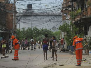 Imagem de arquivo da favela de Manguinhos, em 2014.