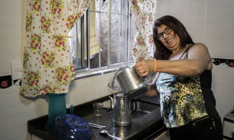 Andreia Borbosa, que contratou o Mora Digna para reformar sua cozinha.