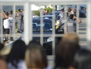 Paralisação da Polícia Militar completa oito dias.