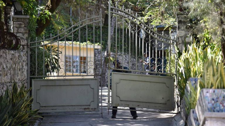 Entrada aos escritórios da Oxfam em Porto Príncipe (Haiti)