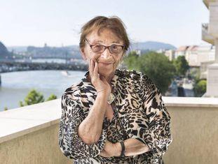 Agnes Heller, em sua casa, em Budapeste