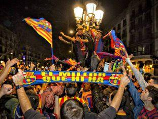 Torcedores culés festejam virada do Barça.