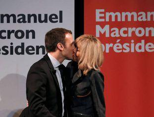Emmanuel Macron e Brigitte Trogneux.