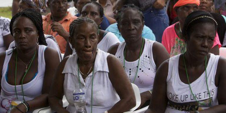 Vítimas das FARC durante uma cerimônia em Bojayá, Chocó, na qual a guerrilha pediu perdão publicamente, no último dia 5 de dezembro.