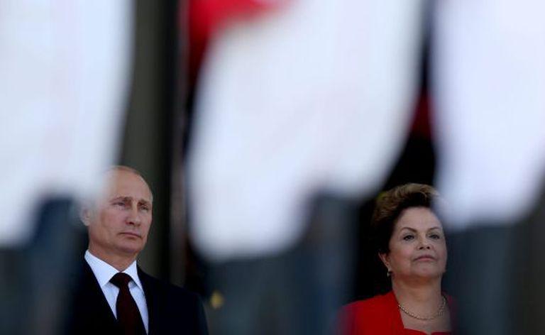 A presidenta Dilma Rousseff e o mandatário russo, Vladimir Putin, antes do encontro dos BRICS em Fortaleza.