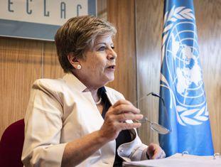 A secretária executiva da Cepal, Alicia Bárcena, durante a entrevista com EL PAÍS.