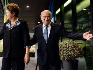 Dilma Rousseff e o presidente da FIFA, em Zurique esta sexta.