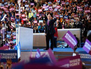 """Sua maior riqueza é a hipocrisia"", diz o magnata e ex-prefeito de Nova York sobre o candidato republicano ao pedir voto para Hillary Clinton"