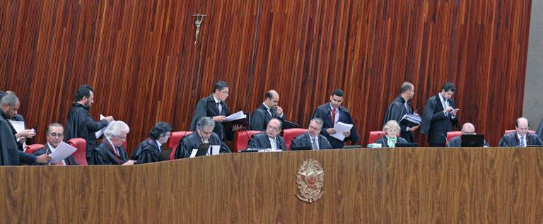 O plenário do Tribunal Superior Eleitoral.