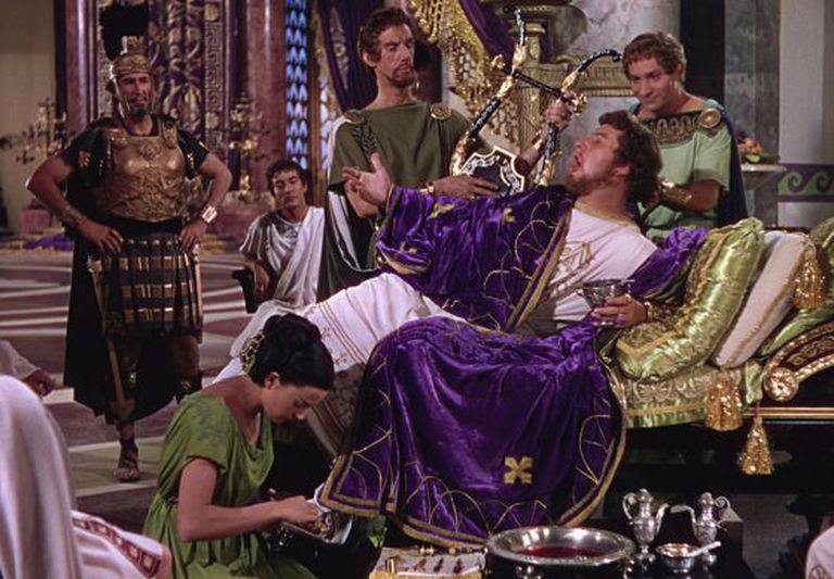 Nero, eternizado pela interpretação de Peter Ustinov em Quo Vadis (1951), filme dirigido por Mervyn LeRoy.