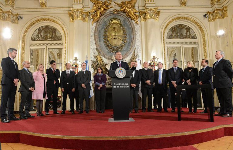 Mauricio Macri faz anúncio na Casa Rosada.