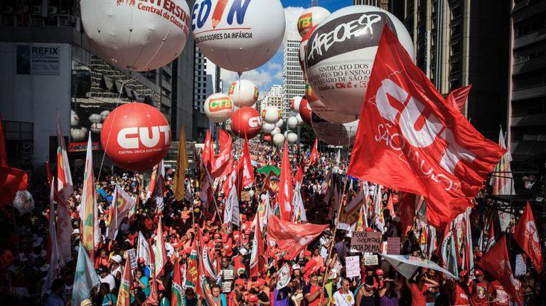 Ato da CUT no Dia do Trabalhador, na Av. Paulista