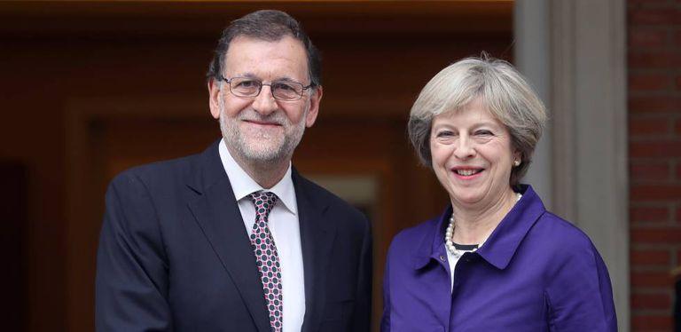 Mariano Rajoy e Theresa Maio ----