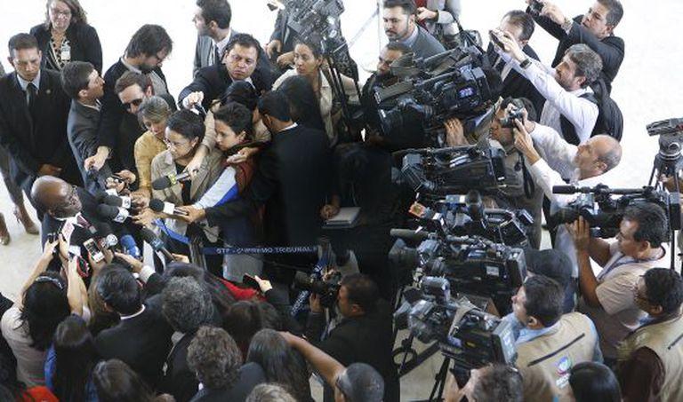 Joaquim Barbosa dá entrevista enquanto presidente do STF, em 2014.