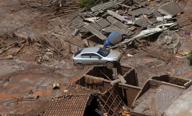 Área de Mariana afetada pelo rompimento de barragem da mineradora Samarco.