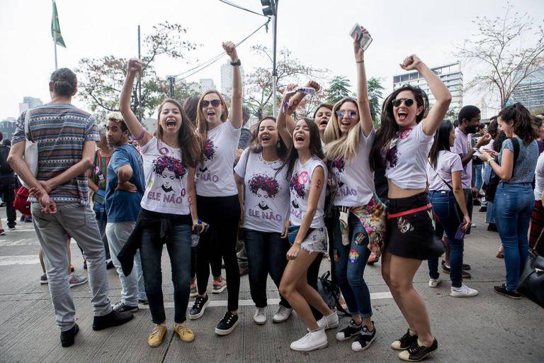 Manifestantes durante o protesto em São Paulo.
