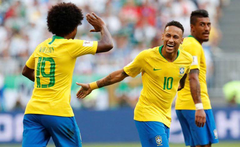 Willian e Neymar foram os destaques do Brasil contra o México.