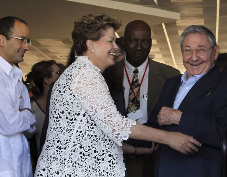 Marcelo Odebrecht, Dilma e Raúl na inauguração do Porto de Mariel.