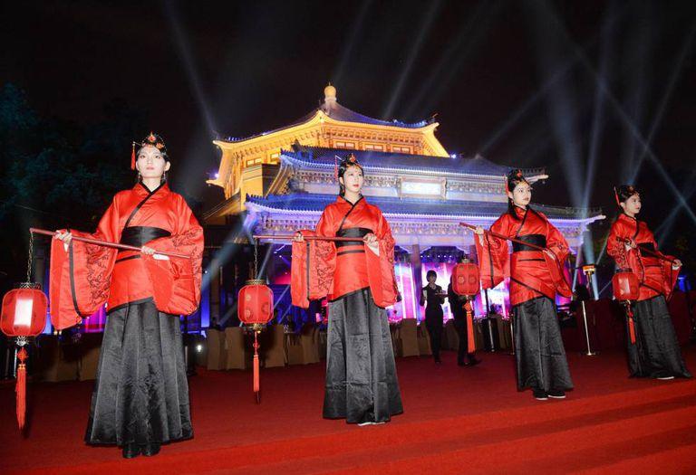 Quatro mulheres durante banquete do Fortune Global Fórum na última quarta-feira em Cantão