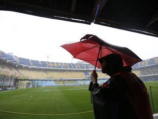 A Bombonera baixo a chuva, neste sábado.