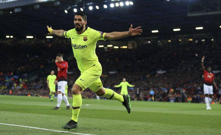Suárez comemora único gol da partida em Manchester.