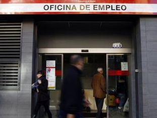 A taxa de desemprego subiu 0,1%, atingindo 21%, e 64.600 postos de trabalho foram fechados