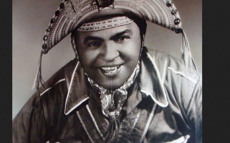O músico Luiz Gonzaga, autor de 'Asa Branca', que completa 70 anos (e nina o sono de Irene).