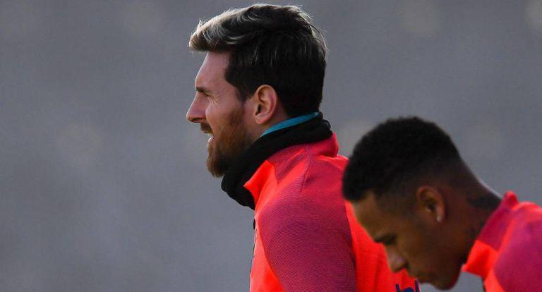 Messi e Neymar em preparação para o clássico.