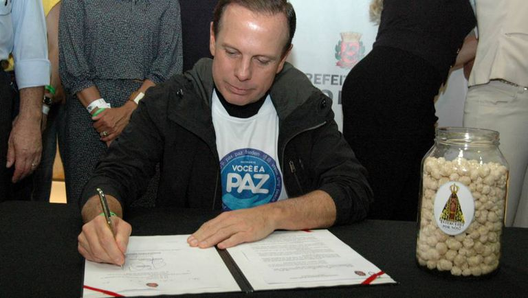 O prefeito João Doria (PSDB), em evento de lançamento do programa Alimento para Todos.