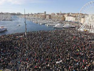Manifestação contra a violência, no sábado 10 em Marselha.