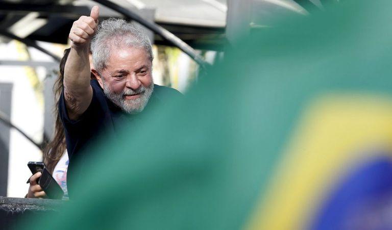 Lula volta a seu apartamento em São Bernardo de Campo depois de depoimento.