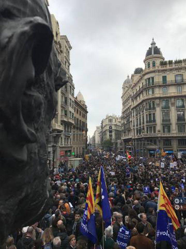 A marcha, na Via Laietana