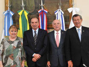 Os chanceleres Susana Malcorra (Argentina), Aloysio Nunes (Brasil), Eladio Loizaga (Paraguai) e Rodolfo Nin Novoa (Uruguai) depois de uma reunião do Mercosul em Buenos Aires, em 9 de março.