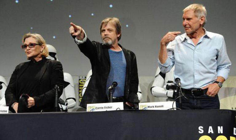 De esquerda para a direita: Carrie Fisher, Mark Hamill e Harrison Ford.